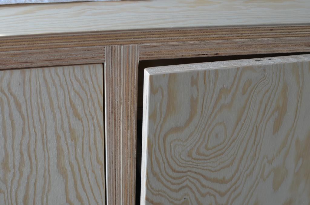 underlayment meubel kastdeur van multiplex